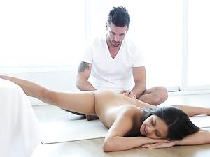 Teen Yoga Girl Is Crazy Flexible In A Fuck Scene