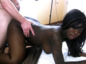 Curvaceous Black Amateur Enjoys A Hot Interracial Fuck