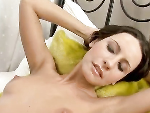 Hugely Plump Pussy Lips Make Fucking Her More Fun