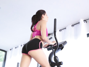 Passionate Interracial Workout For A Slut At The Gym